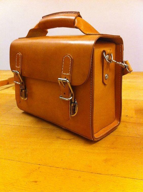 Handmade saddle leather camera / shoulder bag: