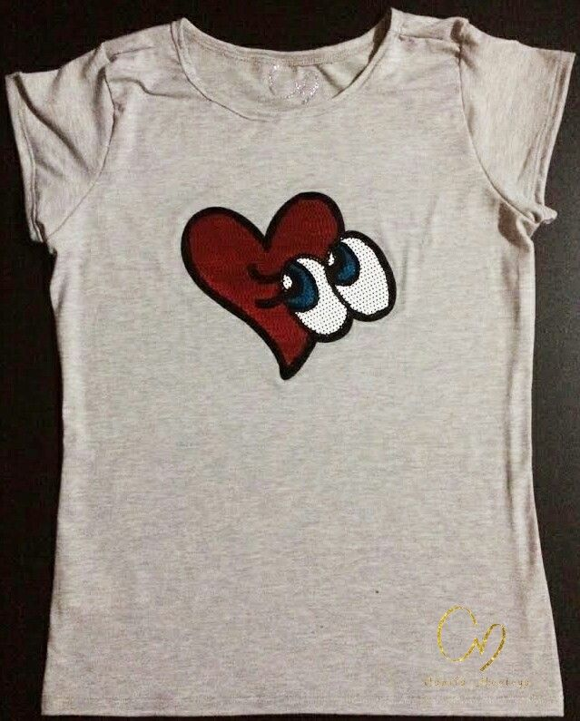 T-Shirt de moda, tallas S, M, L y XL. Colores blanco, gris y negro. Contramarcadas Camila Montoya. Algodón pima 100%