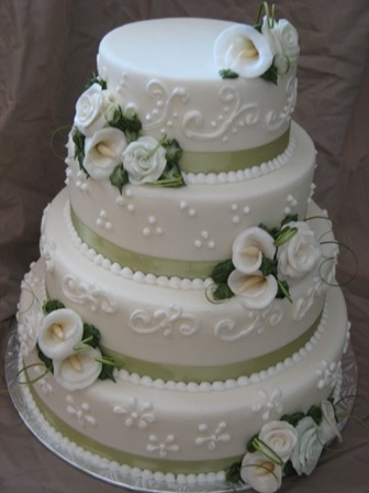 wedding cake with lilies and roses 1000 ideas about calla cake on sugar 26922