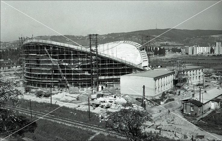 Stavba športovej haly na Bajkalskej