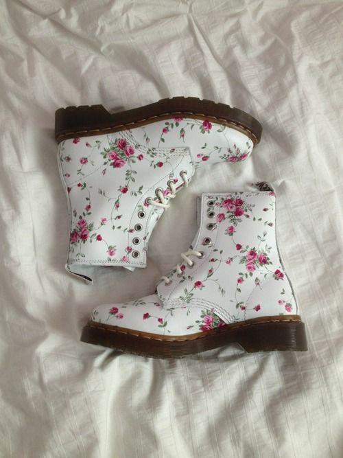 Wish I had these beautiful boots <3