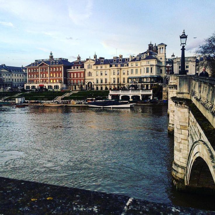 Walkies #richmond #london #riverthames #spring by articia
