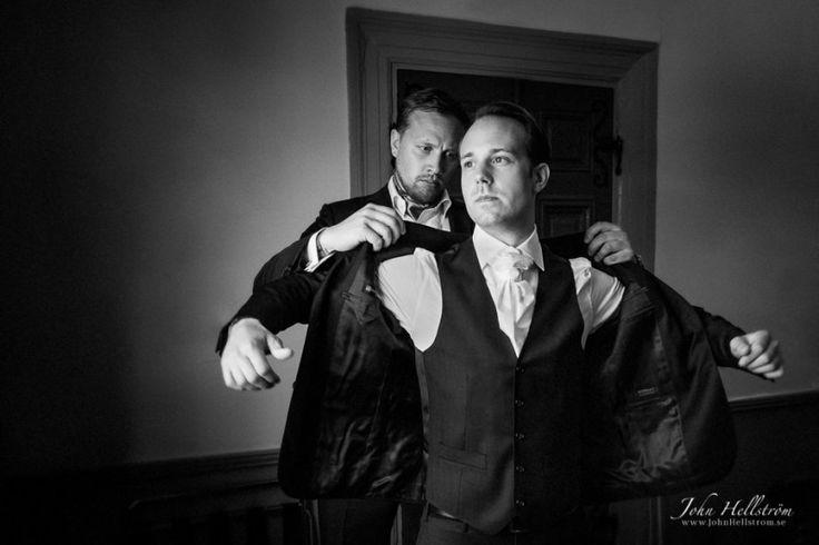 Wedding-Photographer-Stockholm-Knivsta-Noors-Castle-John-Hellstrom-Groom-2015-3