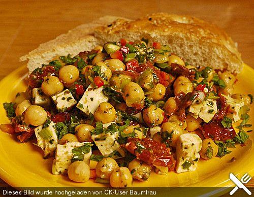Kichererbsensalat mit getrockneten Tomaten und Feta (Rezept mit Bild)…