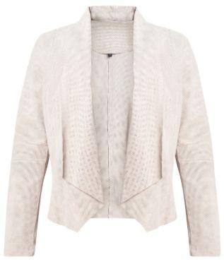 Suède jasje met stretch in de mouw. In de zomer goed draagbaar als zomerjasje. #Jasje #Suède