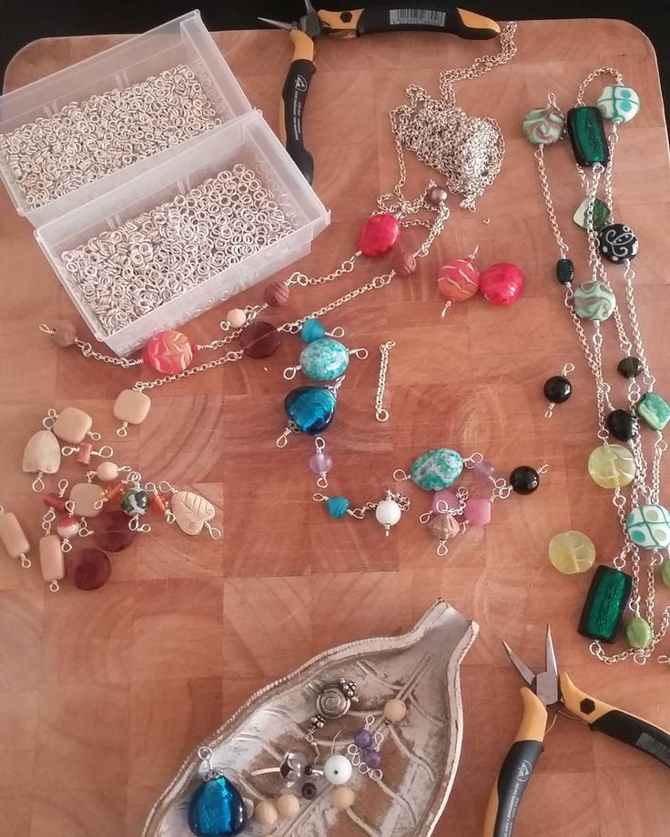 Goood morning chaos!! #craftdiary #beads #chaos #inthezone