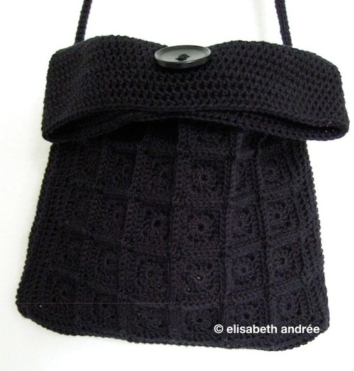 Crochet mini-squares-little-black-bag. Fold-over and crossbody model. By elisabeth andrée.