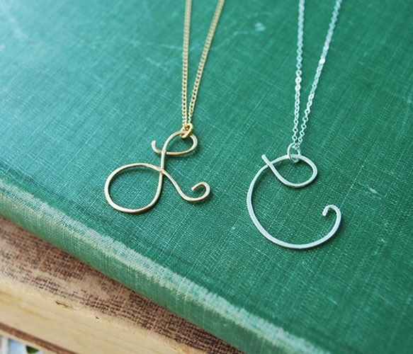 cursive initials: During Initial, Initials Pendants, Gifts Ideas, Pendants Necklaces, Initial Necklaces, Names, Bridesmaid Gifts, Jewelry, Initials Necklaces