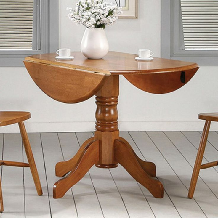 Home Source Vanderbilt Dining Table Oak - H-9855
