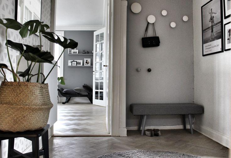 Vores entre. Er vild med grå - det havde du nok ikke gættet  Følg min blog www.lykkestunder.dk