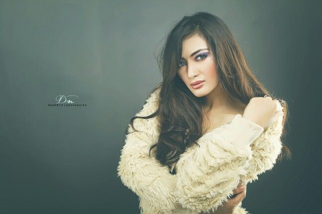 Model : Kartika NS Photo and Retouch : @dee0612