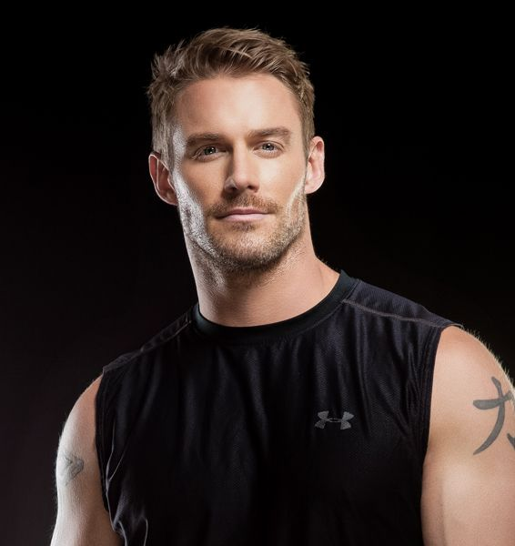 Fitness expert Jessie Pavelka gives top tips on shaping up! Oh how I wish he was my trainer..
