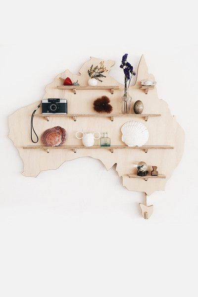 Never been to Australia but this is seriously a nice idea. Plywood Australia Map - My Treasure Shelf