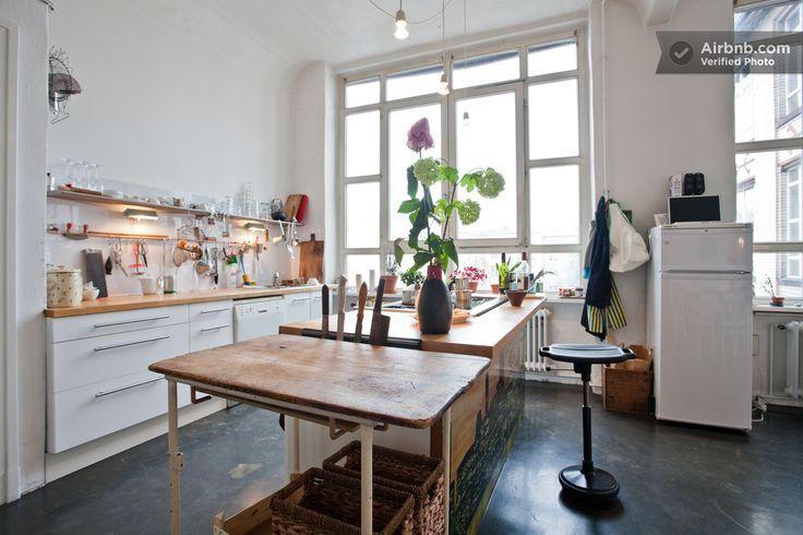 Room Artist Loft Berlin Kreuzberg A Berlin Loft Kitchen Home Kitchens Berlin Apartment