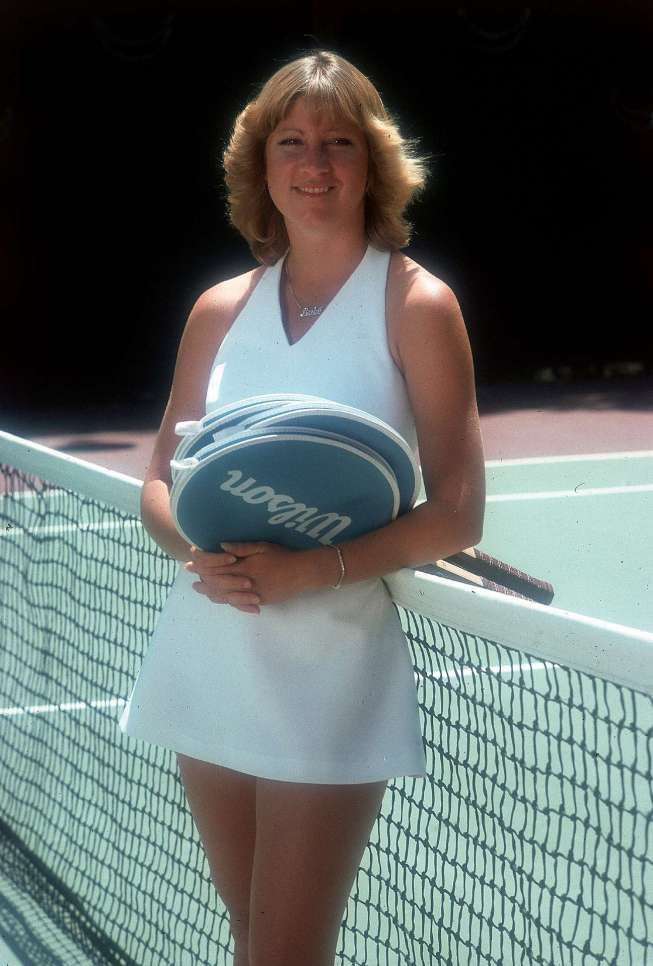 In The Late 70 S I Was In A Marine Corps Color Guard At A Tennis Match In Newport Beach Chris Evert Walked B Tennis Players Female Chris Evert Tennis Players