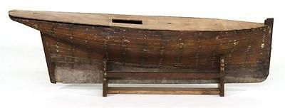POND-MODEL-HULL-OF-A-RACING-YACHT-Plank-on-frame-construction-Lead-s-Lot-124
