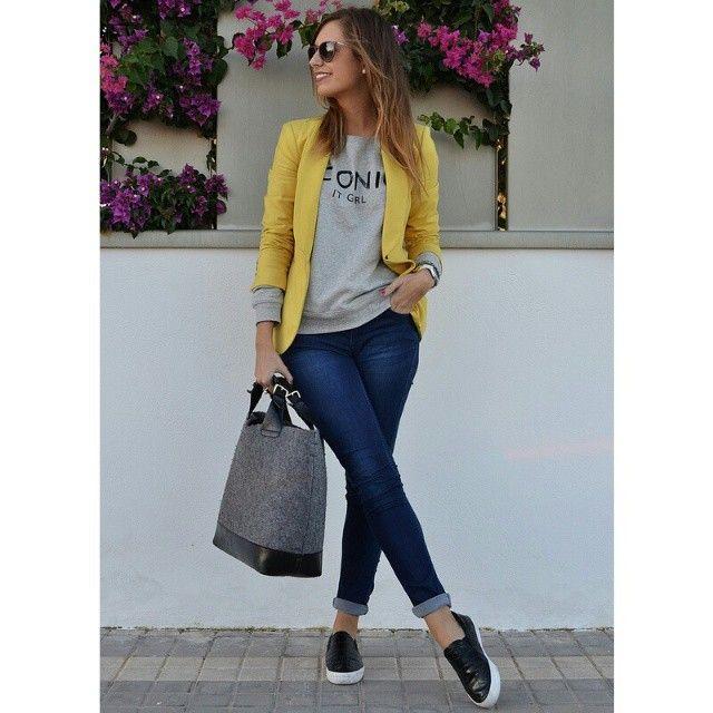 Buenos días :D nuevo post http://beiconicblog.blogspot.com.es/2014/11/iconic.html?m=0 Sudadera + blazer sí o no?? Feliz lunes!! :D #new #post #BeIconic #nuevo #look #blog #ootd #lookdehoy #outfitoftheday