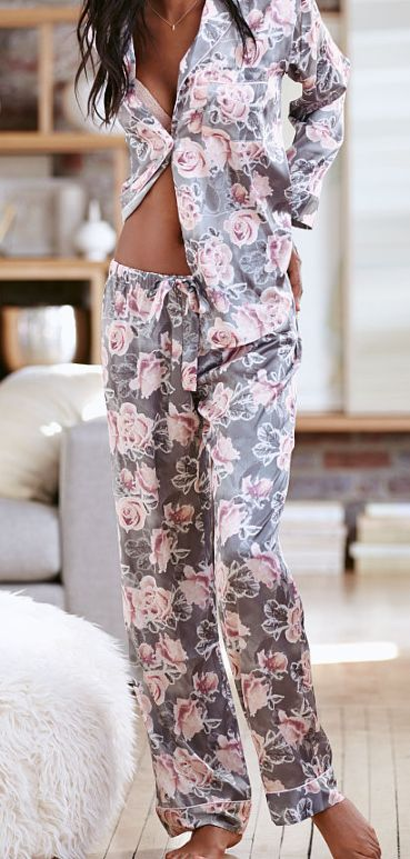 Pretty grey floral pajamas - Lingerie, Sleepwear & Loungewear - http://amzn.to/2ieOApL
