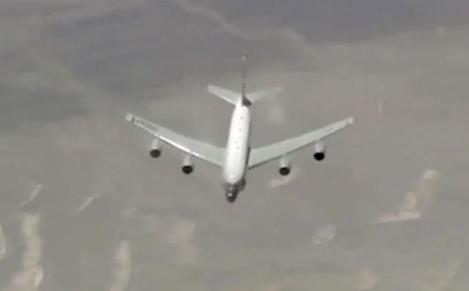 Самолет-разведчик ВВС США в очередной раз подлетел к границам РФ на Балтике
