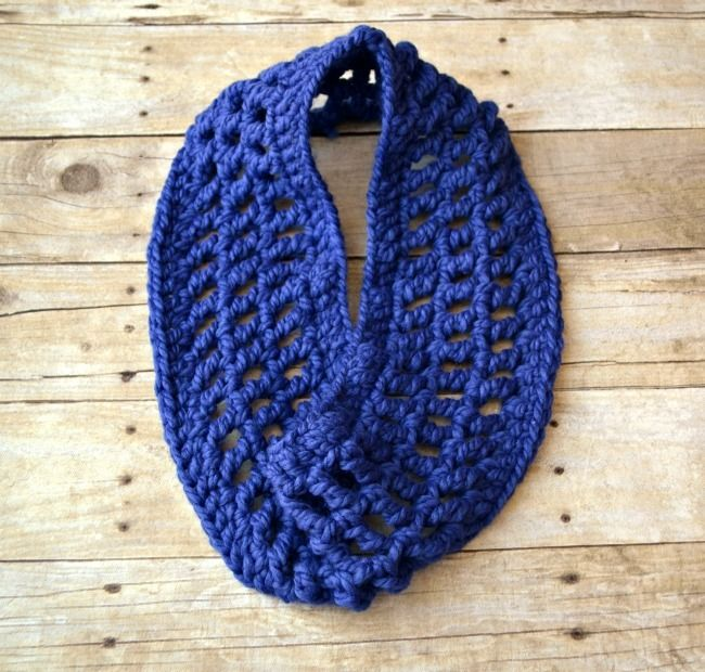 Gridwork Knitting Pattern : 747 best images about Crochet Scarves/Cowls on Pinterest Free pattern, Croc...