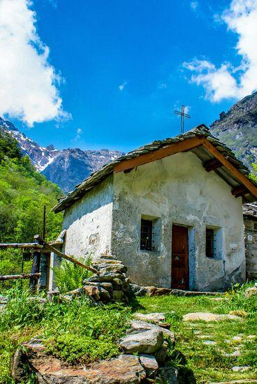 Nieuw in mijn Werk aan de Muur shop: Kerkje in Itali�