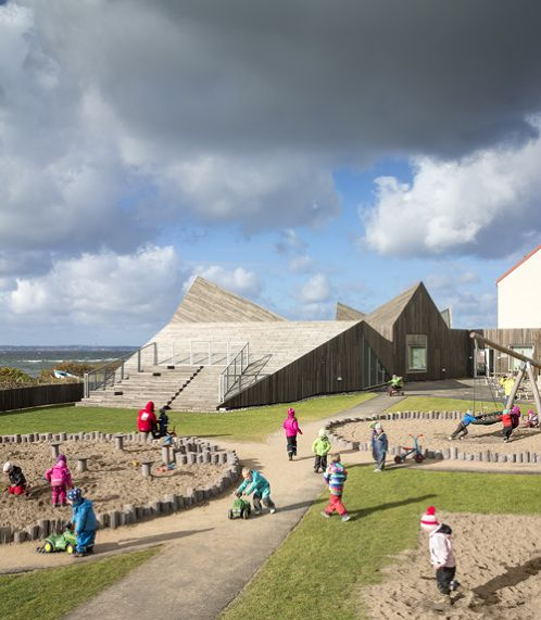 råå day care center in helsingborg, sweden | building as a playground / playscape