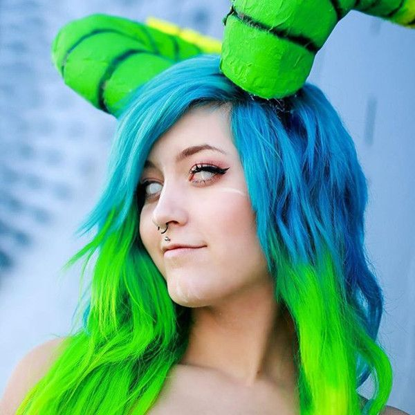 Best 25 green hair streaks ideas on pinterest teal hair for Show me the color green