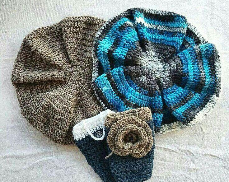 Μπερέδες και πλεκτές θήκες κινητού με διακοσμητικό λουλούδι (αφαιρειται) !!! #crochet #beret #mobile case
