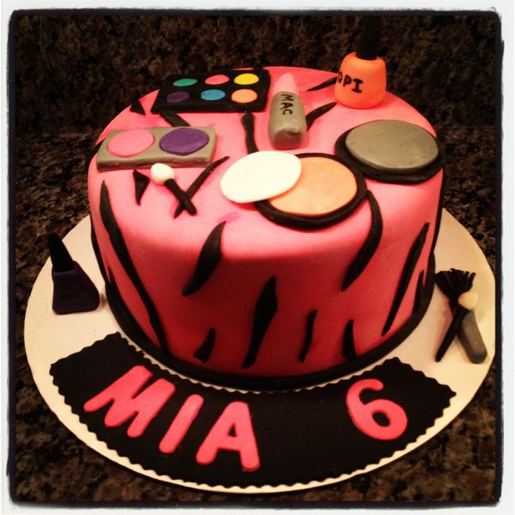 Makeup Themed Cake Images : Makeup Themed Cake Cakes I have made :) Pinterest ...