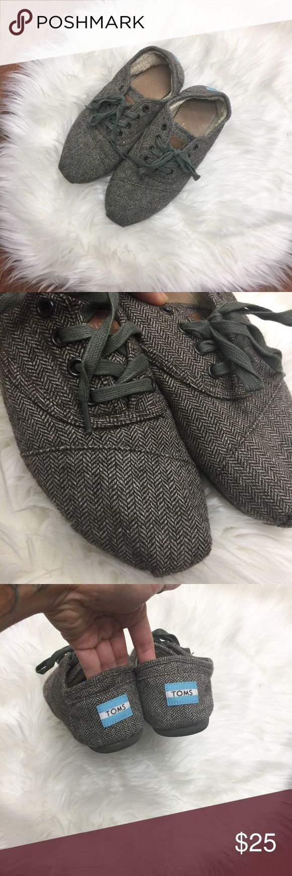 TOMS Chevron Woolen Sneakers Worn only 2x. In excellent condition. No rips or tears. TOMS Shoes