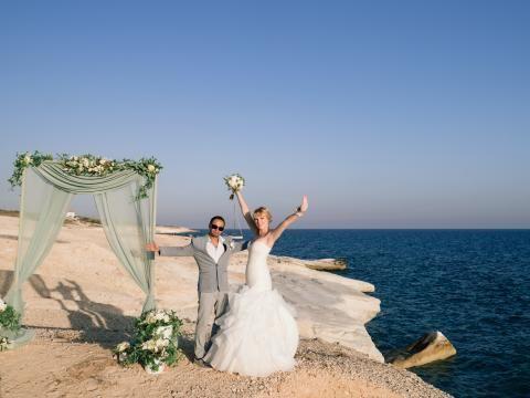 Свадьба на Кипре. белые камни, Аламанос