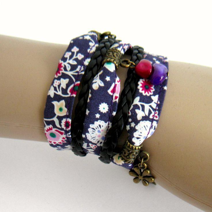 Bracelet manchette multi rangs tissu violet et simili cuir, bronze, fleurs, étoiles : Bracelet par color-life-bijoux