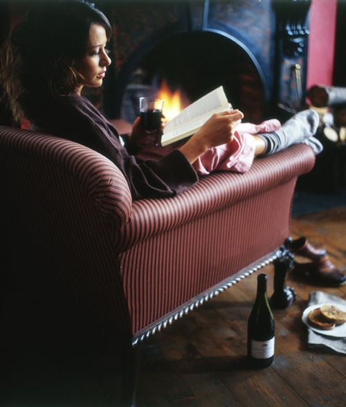 A good book, a glass of wine ~ perfect!