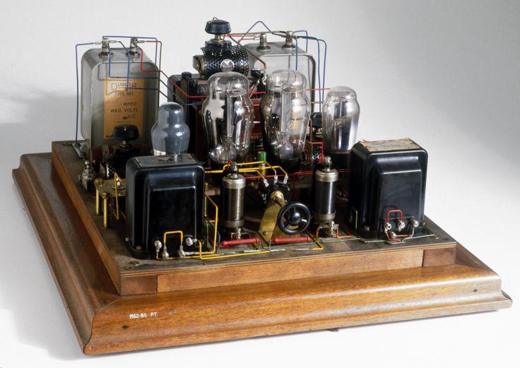 retro vintage modern hi-fi: 1927 Raleigh Mullard Tube Amp