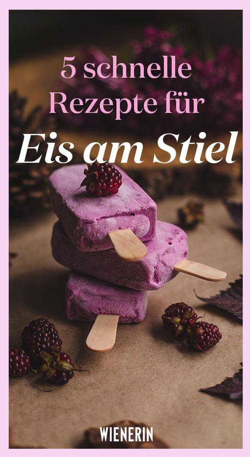 Wir zeigen Ihnen 5 schnelle Rezepte für Eis am Stiel, die Sie ohne Eismaschine zubereiten können. #diy #selbermachen #rezept #popsicle