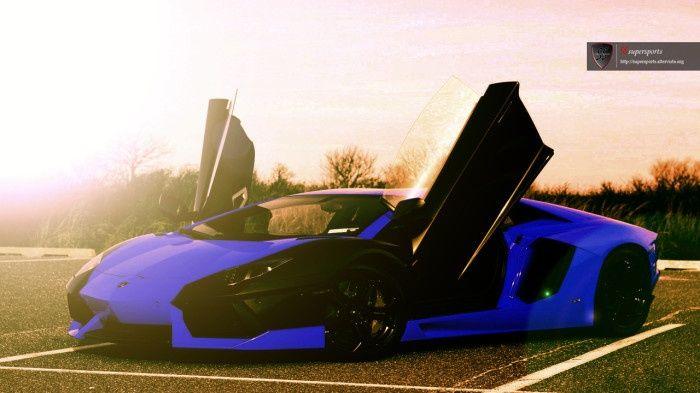 nice Super Car, do you like dark blue color? I think it has a special power...  Stuff