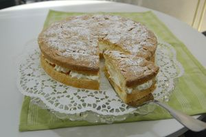 Warum die Ruck-Zuck-Torte die Lieblingstorte von Angela Sieveking aus Löhne-Ostscheid, Kreis Herford, ist, verrät bereits der Tortenname: Denn ruck,...