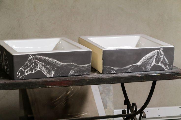 Lavoar, portelan, forma patrata.culoare de fuziune, gravat