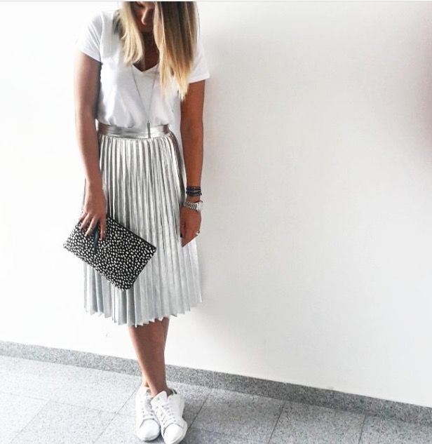 Best 20  Silver skirt ideas on Pinterest | Pleated skirt, Metallic ...