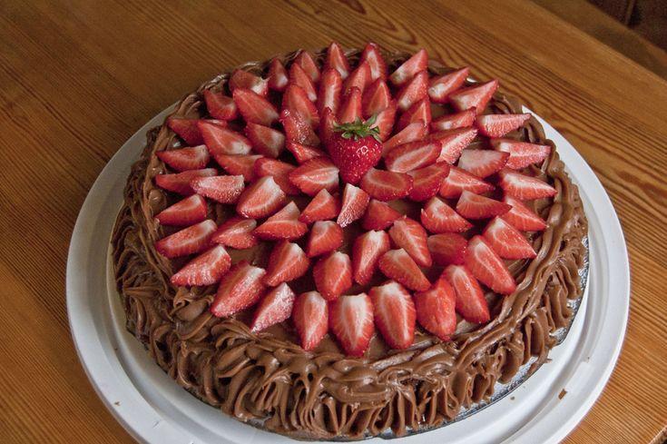 Stingkaka, en saftig sjokoladekake med sjokoladekrem - En legende fra Stavanger!