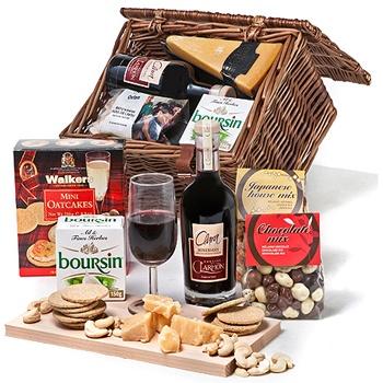 Best 25+ Wine picnic basket ideas on Pinterest | Picnic baskets ...