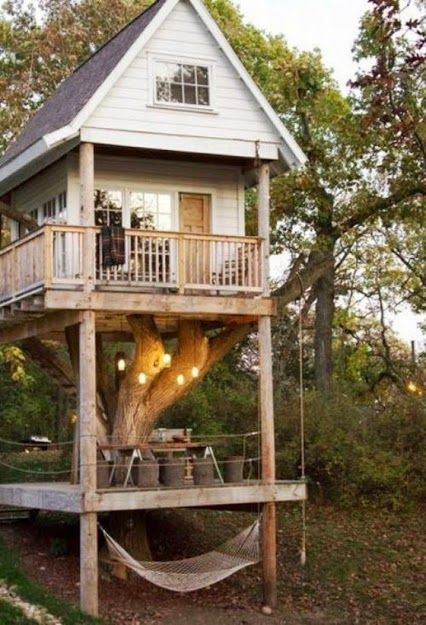 Supercool treehouse
