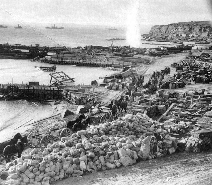 Australian and New Zealand troops establish a beachhead during the initial ANZAC landings at ANZAC Cove, the start of the Battle of Gallipoli land campaign in 1915, during the First World War I.