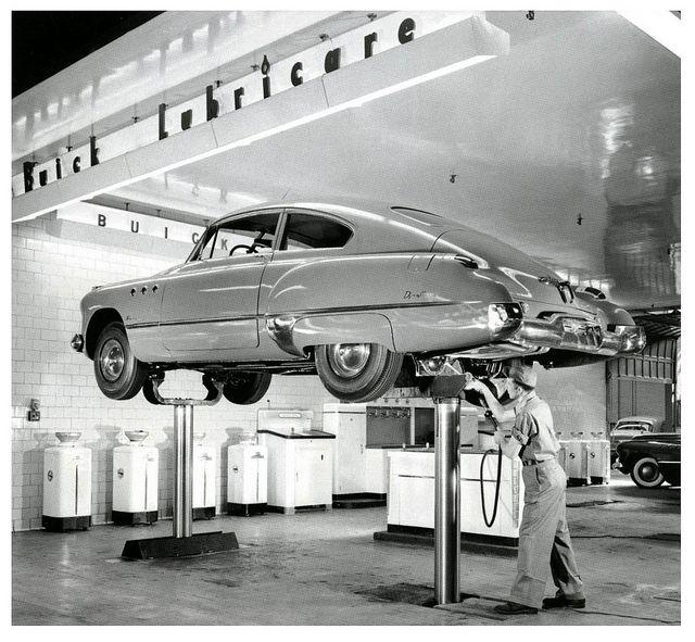 1000 images about vintage garages auto repair shops on for Garage villeneuve auto service