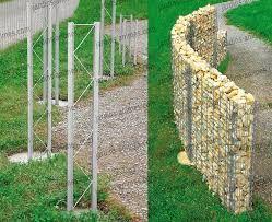 Resultado de imagen para poser une cloture de bois sur des gabions