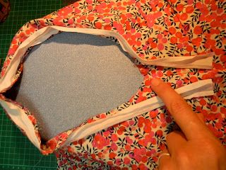 Sew & Bellyflops: A Tutorial: Joining bias binding (Armhole)