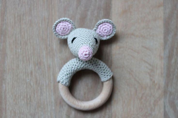 Mrs. Cuddles: Mouse rattle/rammelaar
