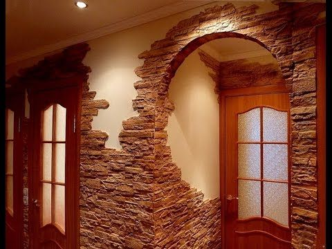 Искусственный камень в интерьере прихожей