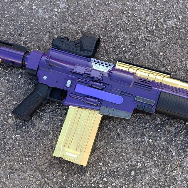 Here's a bit of progress on ANOTHER Destiny-themed Nerf rifle.  I'm still planning out the coloring so elements may change a lot from this to the final piece.  Stay tuned for more on this as well as the custom Khaos that's in the works!  #nerfnation #nerf #nerfgun #Destiny #nerfornothing #johnsonarmsprops #nerfmods #johnsonarms #painting #customtoys #shutupandtakemymoney #destinythegame