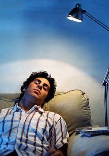 http://diariodopassageiro.blogspot.com/2015/06/inilah-bahaya-tidur-dengan-lampu-menyala.html